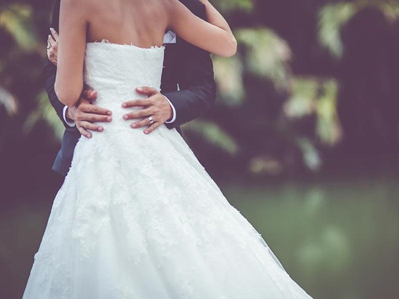 Ellie-Rays-weddings800x600