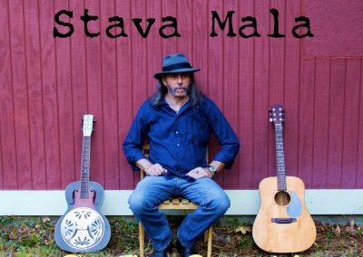 Playing at Ellie Ray's - Stava Mala